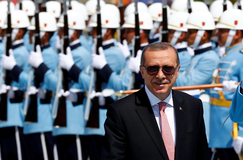 លោក Erdogan ក្នុងពិធីផ្លុវការនាវិមានប្រធានាធិបតីក្រុងអង់ការ៉ា ថ្ងៃទី៥ សីហា ២០១៦