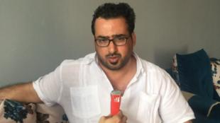 O jornalista iraquiano Muntadhar Al Zaïdi recebe RFI em casa, em Bagdá