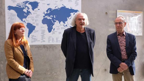 L'équipe de « Panorama 21 » au Fresnoy : Pascale Pronnier, responsable des programmations artistiques, Alain Fleischer, fondateur-directeur, et le commissaire Jean-Hubert Martin.