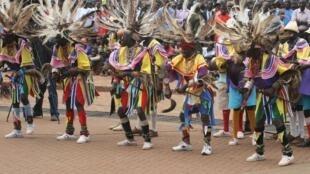 Wasanii wa nyimbo za kitamaduni za  katiba la Kiluo nchini Kenya