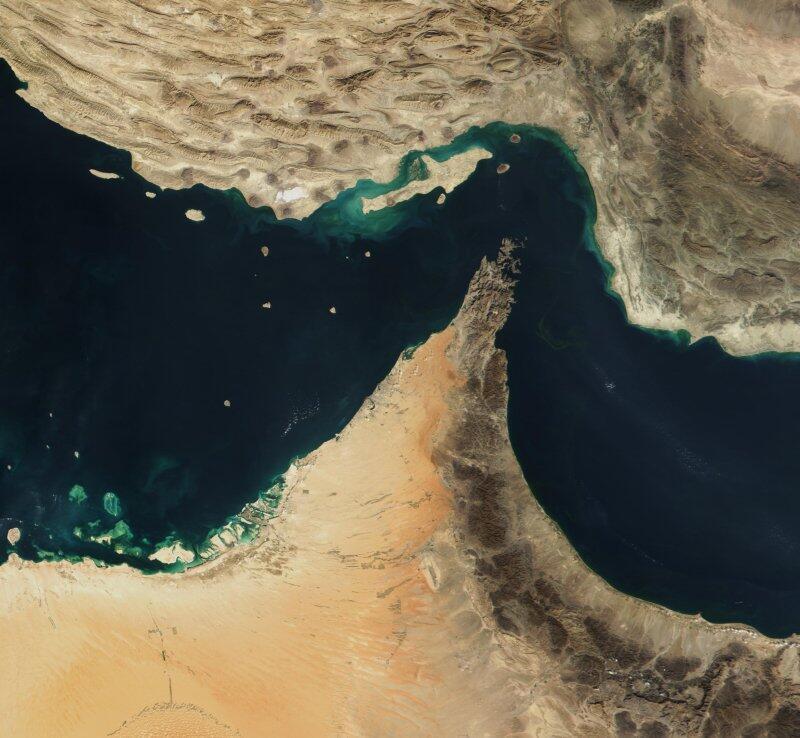 霍尔姆斯海峡卫星图 Image satellite du détroit d'Ormuz.