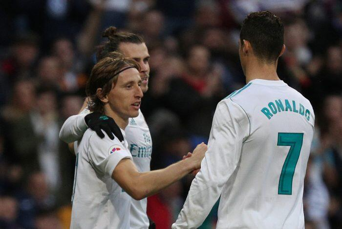 'Yan wasan Real Madrid Luka Modric da Gareth Bale, tare da tsohon dan wasan kungiyar Cristiano Ronaldo.