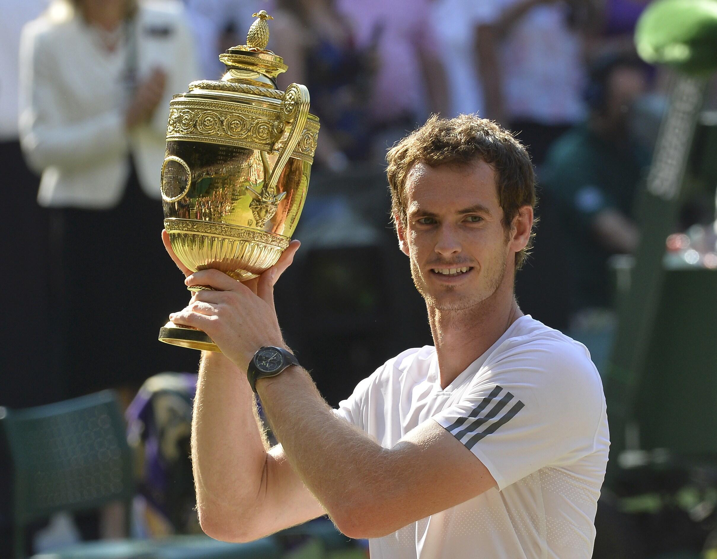 Andy Murray não poderá este ano voltar a erguer o troféu de Wimbledon