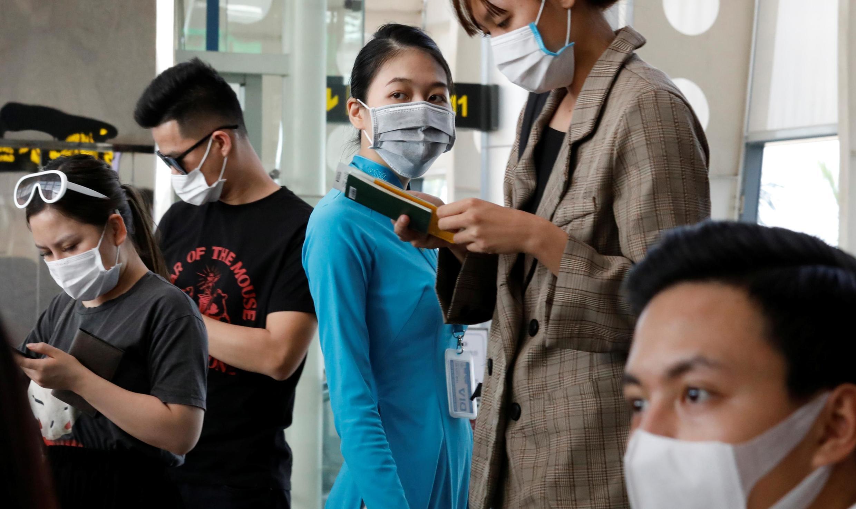 Ảnh minh họa : Cảnh chờ đợi lên máy bay tại phi trường Đà Nẵng, ngày 23/02/2020.