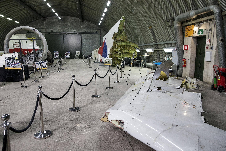 Một mãnh chiếc máy bay   MH17 bị bắn rơi tháng 7/2014 ở Ukraina, được trưng bày ỏ  Gilze Rijen, Hà Lan. Ảnh 13/10/2015.