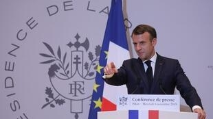 امانوئل ماکرون، رئیس جمهوری فرانسه در کنفرانس مطبوعاتی خود در آخرین روز بازدید از چین،
