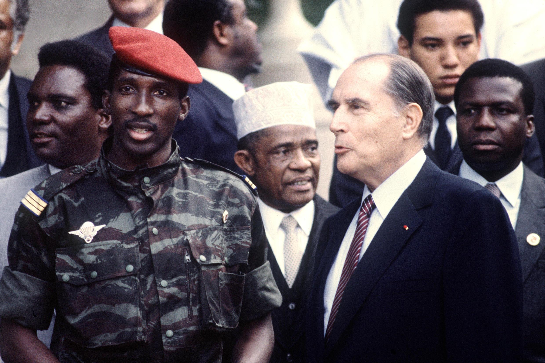 Thomas Sankara aux côtés de François Mitterrand lors du 10e sommet franco-africain de Vittel, le 3 octobre 1983.