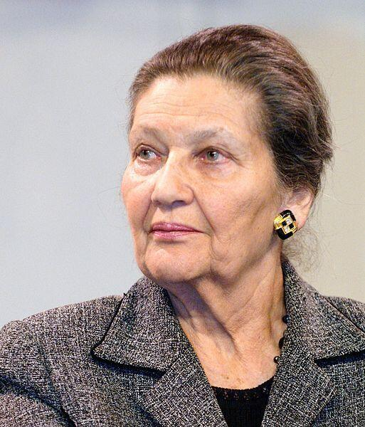 Simone Veil photographed in February 2008