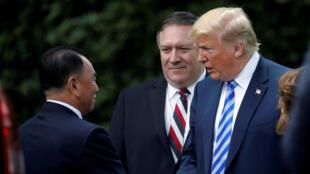 Le haut dignitaire nord-coréen Kim Yong-chol a été reçu par le président américain Donald Trump et le secrétaire d'Etat Mike Pompeo à la Maison Blanche, le 1er juin 2018.