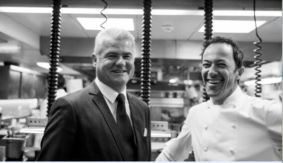 羅曼·麥德(Romain Meder)與同事Denis