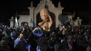 Les Argentins manifestent contre la légalisation de l'avortement, devant la résidence présidentielle à Olivos, Buenos Aires, le 30 juillet 2018.