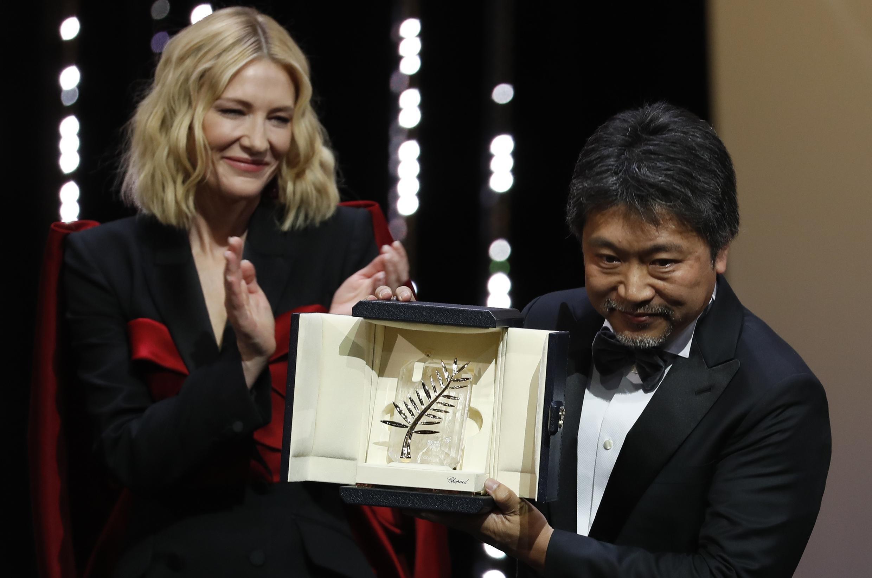 За «Магазинных воришек» Хирокадзу Корээда получил «Золотую пальмовую ветвь» в Каннах