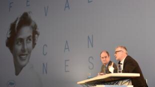 Pierre Lescure, le nouveau président du Festival de Cannes, et Thierry Frémaux, délégué général, le 16 avril 2015, lors de la présentation de la sélection officielle du 68e Festival de Cannes qui aura lieu entre le 13 et 24 mai.