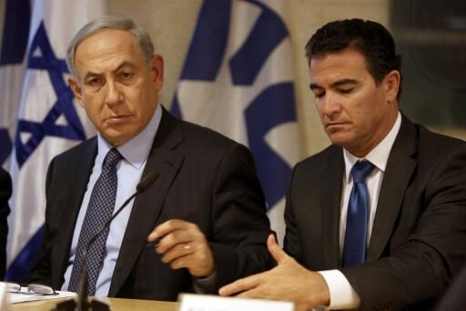 یوسی کوهن، رئیس سابق موساد در کنار بنیامین نتانیاهو