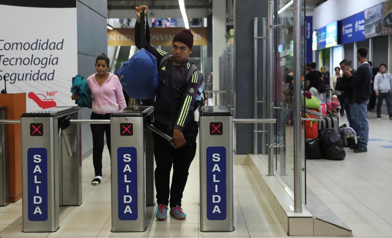 Perú se prepara para recibir a unos cien mil refugiados venezolanos.
