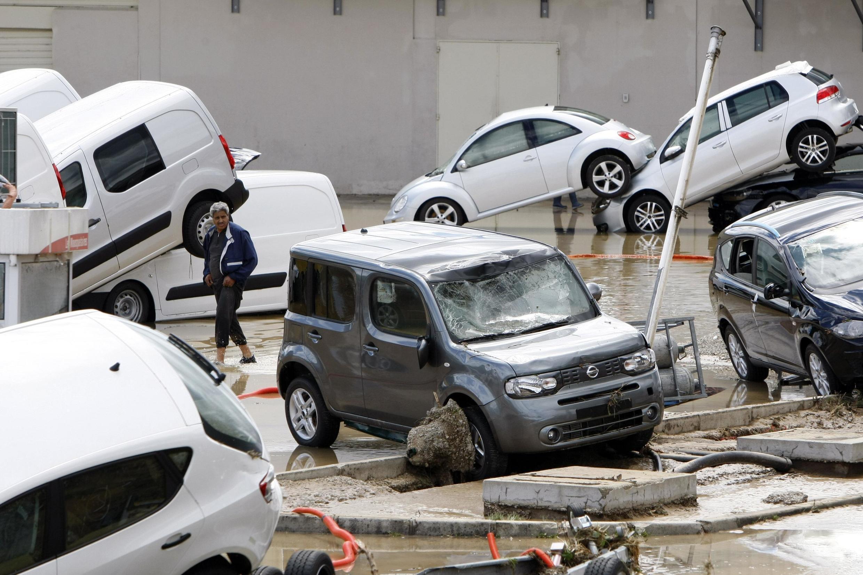 Франция. Драгиньян. 16 июня 2010 года. Следы стихийного бедствия