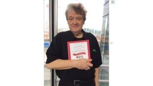 Bernard Fripiat auteur de «L'Almanach des amoureux des mots», publié chez Larousse.