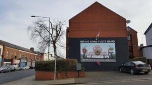Un muro pintado en un barrio de Belfast.