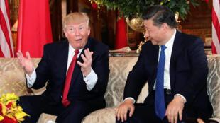 Donald Trump et Xi Jinping lors de leur rencontre à Mar-a-Lago, en Floride, le 6 avril 2017.