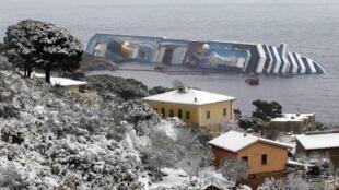 Costa Concordia под снегом,11 февраля 2012 года