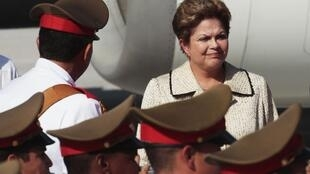 A presidente Dilma Rousseff em sua chegada a Havana.