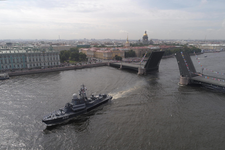 Военно-морской парад на Неве 28 июля 2017