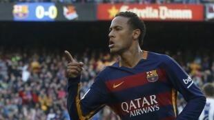 Justiça espanhola reabre processo contra Neymar e seu pai.