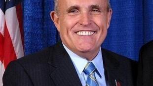 Rudy Giuliani defendeu Donald Trump e disse que vai votar para o bilionário.