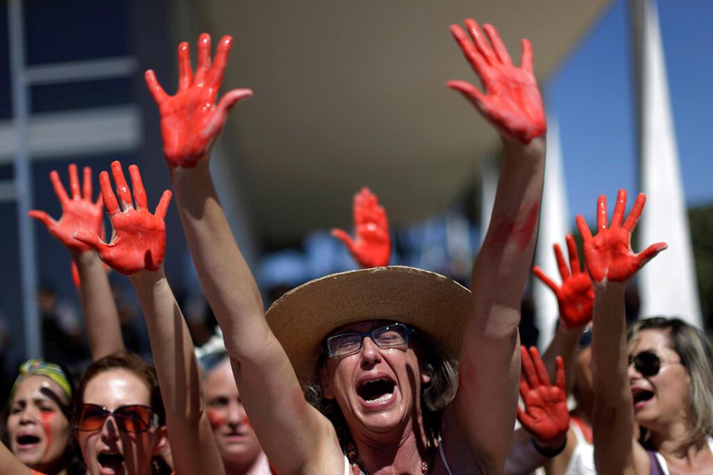 Manifestação contra a violência feita às mulheres em Brasília, em 29 de maio de 2016.