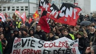 Biểu tình phản đối dự án cải cách hệ thống hưu bổng của chính phủ Pháp, tại Nantes, ngày 19/12/2019