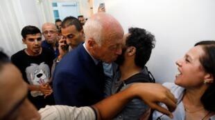 Лидером президентской гонке в Тунисе стал беспартийный преподаватель Каис Сайед