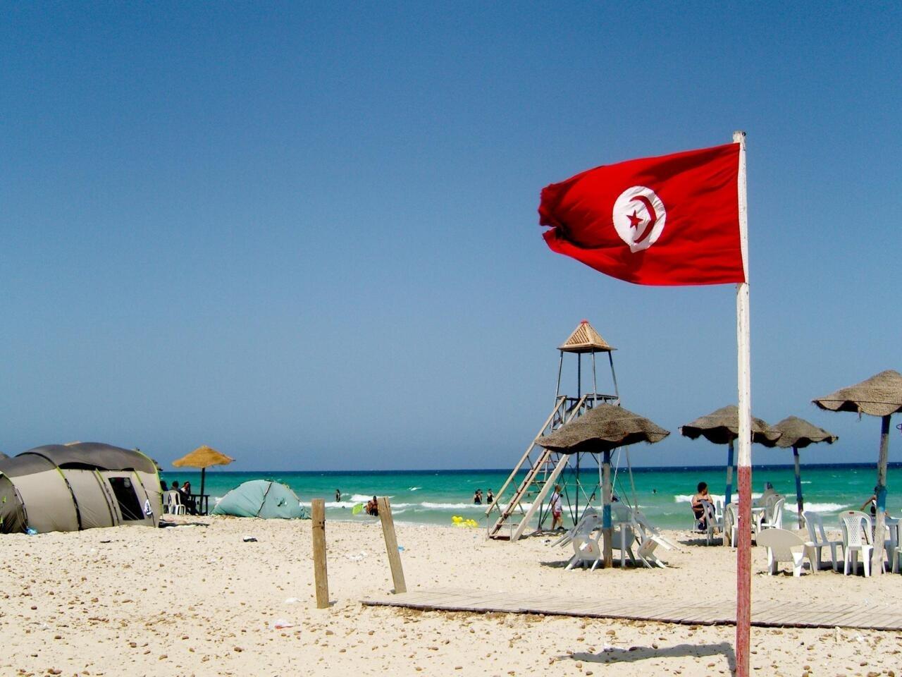 Tourisme: l'ombre du coronavirus plane sur les plages de Tunisie