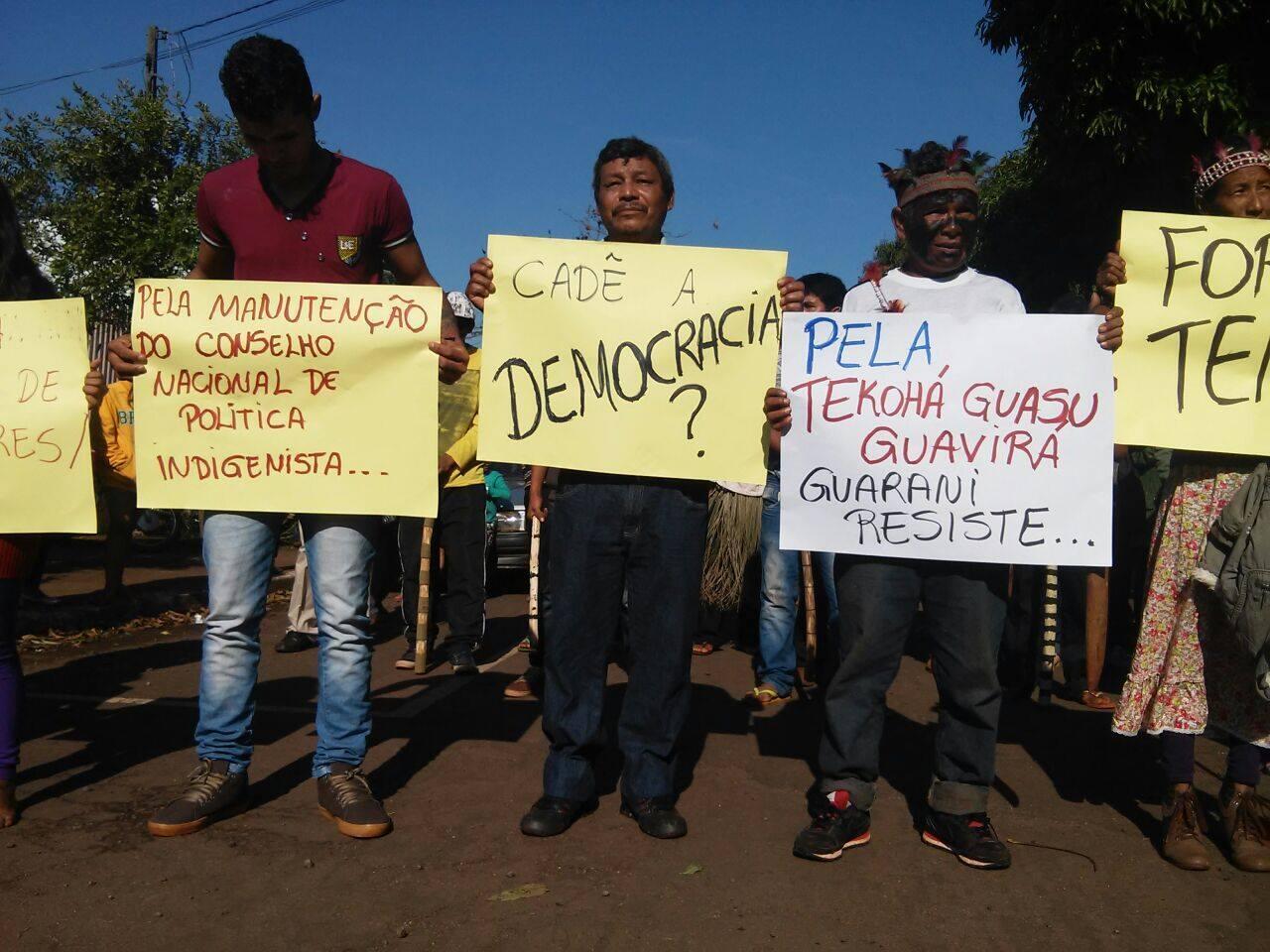 Protestos durante o Ocupa Funai