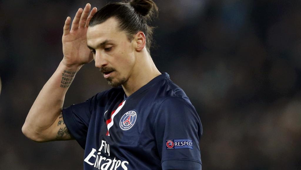 Mchezaji wa PSG, Zlatan Ibrahimovic akijiuliza iwapo kwenda sare ya bao 1-1 dhidi ya Chelsea ni matokeo mazuri kwa timu yake.