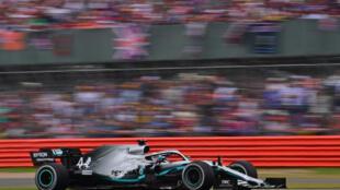 El piloto británico de Mercedes Lewis Hamilton, durante el Gran Premio de Fórmula Uno en el circuito inglés de Silverstone, el 14 de julio de 2019