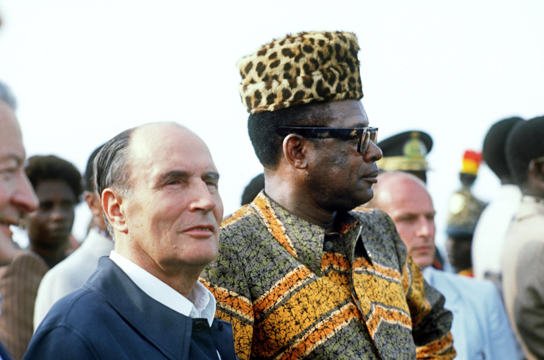 Picha ya Desemba 9 Mwaka 1984. François Mitterrand na rais wa Zaire Mobutu Sese Seko kuku ngwendu wa Zabanga