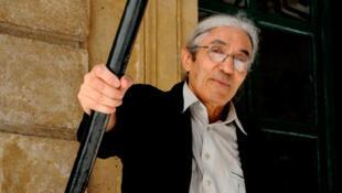 Boualem Sansal est né en 1949 à Theniet El Had, petit village des monts de l'Ouarsenis (Algérie, nord-ouest).