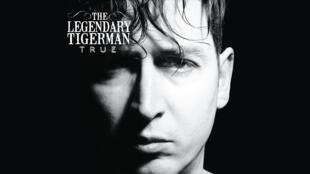 """Capa do álbum """"True"""""""