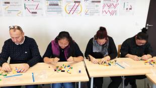Un atelier LEGO dans le cadre de la Journée du prof de français à l'université de Créteil (94), le 27 novembre 2019.