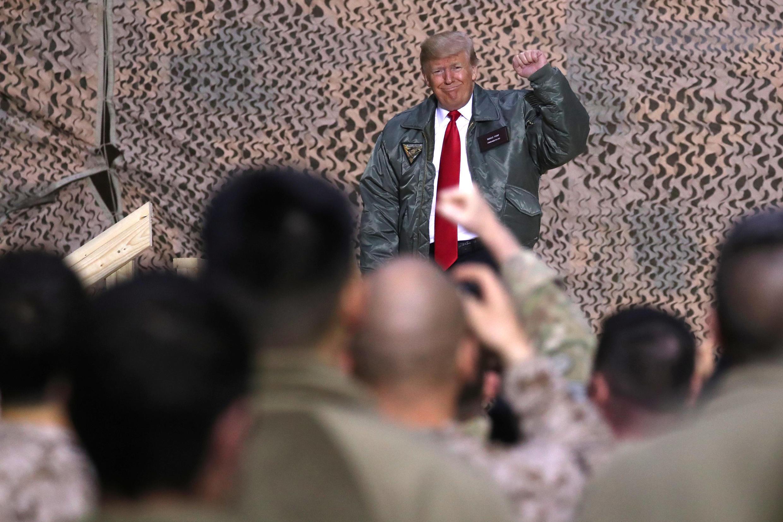 """""""No seremos más los bobos"""", dijo Donal Trump ante las tropas norteamericanas en Irak"""