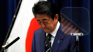 日本首相安倍晉三出席記者會資料圖片