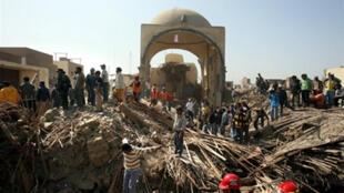 Les décombres de l'église San Clemente détruite par le séisme le 15 août 2007 à Pisco (300 km au sud de Lima)