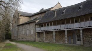 L'Église Saint-Sanctin de Malemort-sur-Corrèze, où officie le père Cyprien.