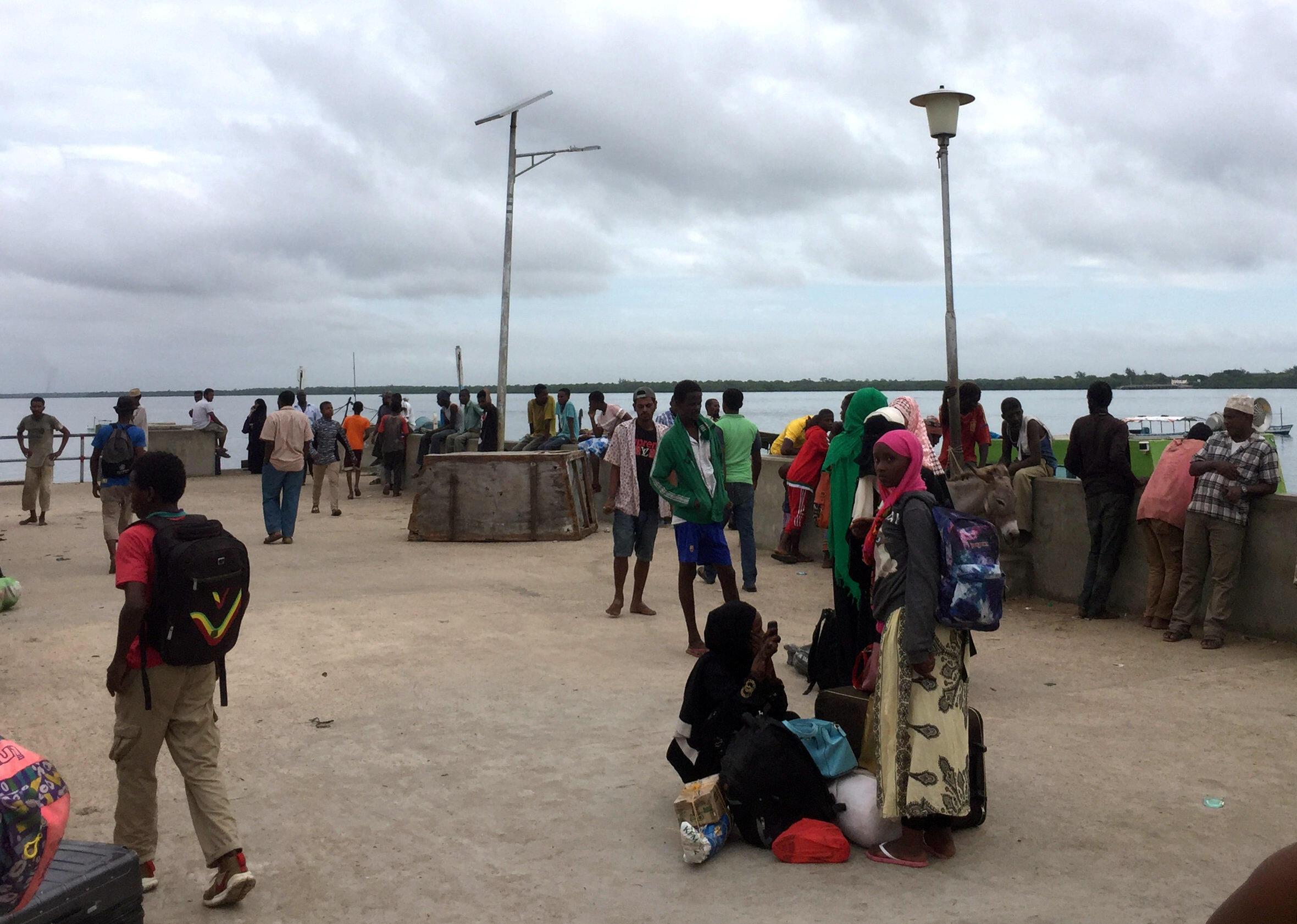 Au Kenya, dans la ville de Lamu, une attaque des shebabs a eu lieu et des voyageurs ont été mis en sécurité dans une base militaire, le 05 janvier 2020.