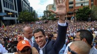 委内瑞拉反对派领袖瓜伊多,1月23日自称为委内瑞拉临时总统       2019年1月23日