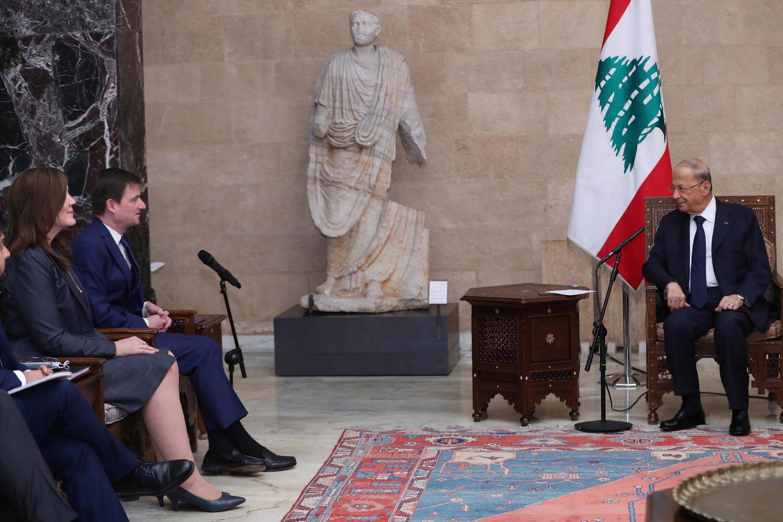 Shugaban kasar Lebanon Michel Aoun yayin ganawa da jami'in gwamnatin Amurka