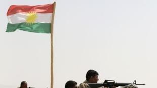 Combatentes curdos avançam contra jihadistas no Iraque. 18 de agosto de 2014.