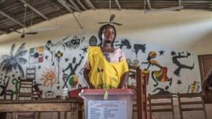 Un bureau de vote à Cotonou, le jour du scrutin, le 28 avril 2019.