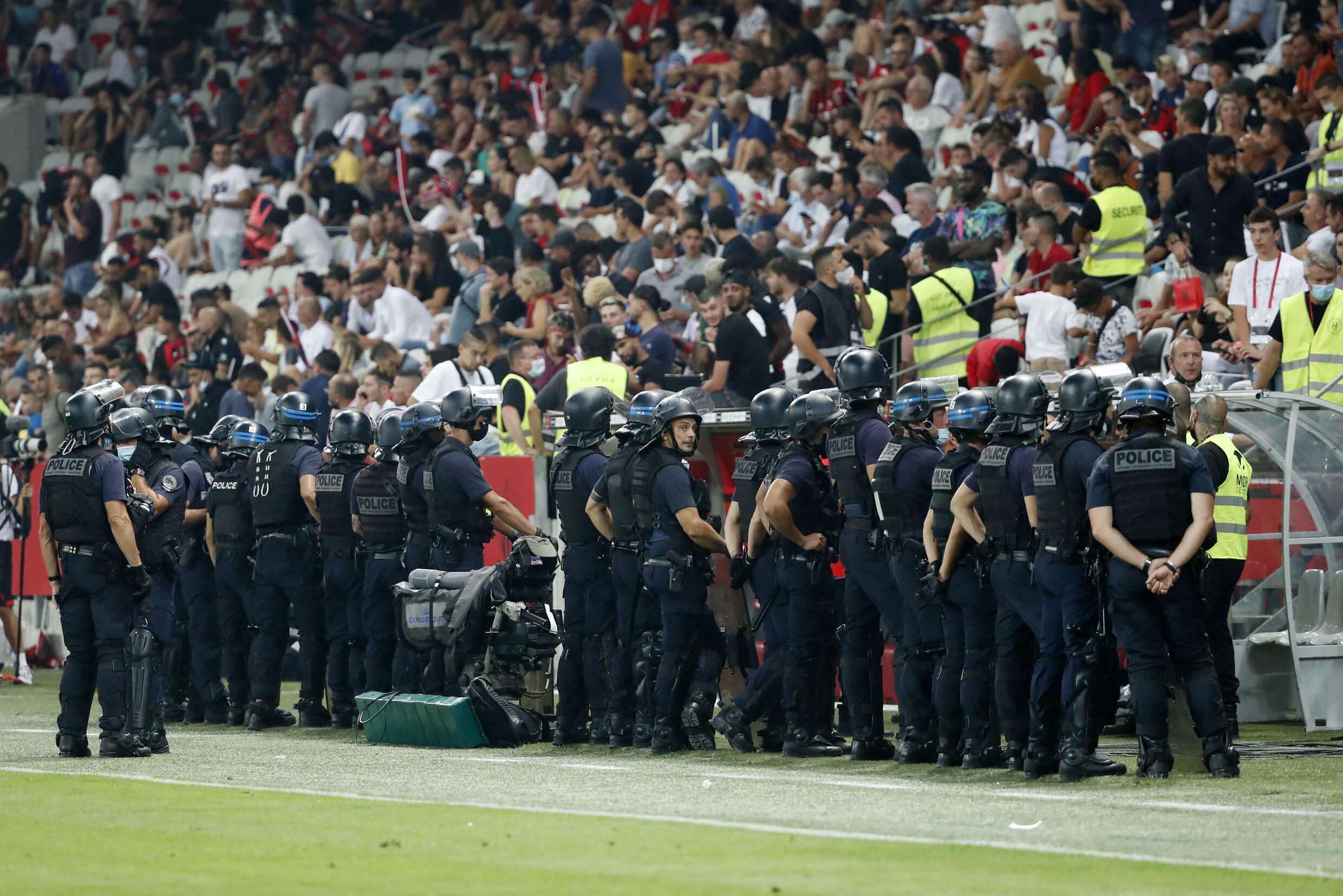 2021-08-22T211947Z_1092937668_UP1EH8M1N8XMV_RTRMADP_3_SOCCER-FRANCE-NCE-OLM-REPORT