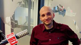 L'historien Thomas Vescovi en studio à RFI - Orient hebdo